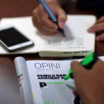 Menulis Artikel Opini Berkaitan dengan Politik